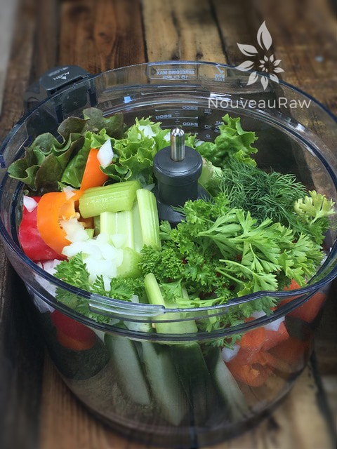 Abundant-Veggie-Flax-Crackers-fresh-veggies