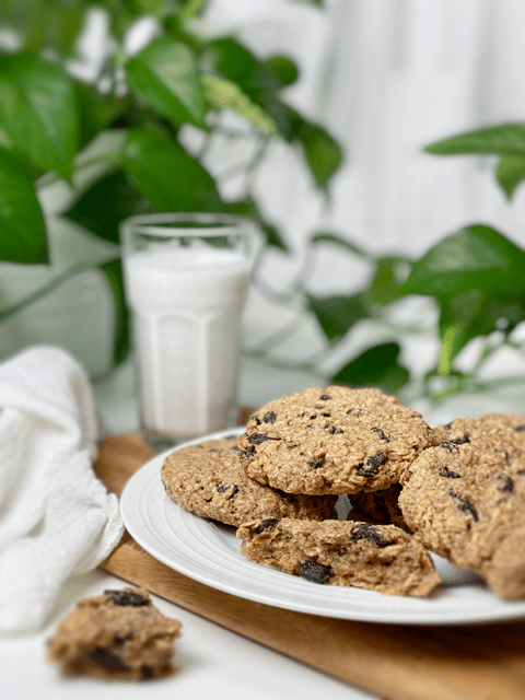 raw and baked options for vegan gluten-free oatmeal raisin cookies