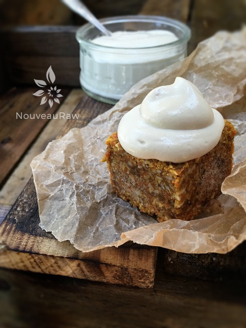 vanilla-frosting-on-carrot-cake