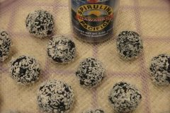 Chocolate-Spiralina-Power-Balls