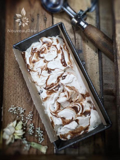 Cinnamon-Raisin-Swirl-Ice-Cream-12