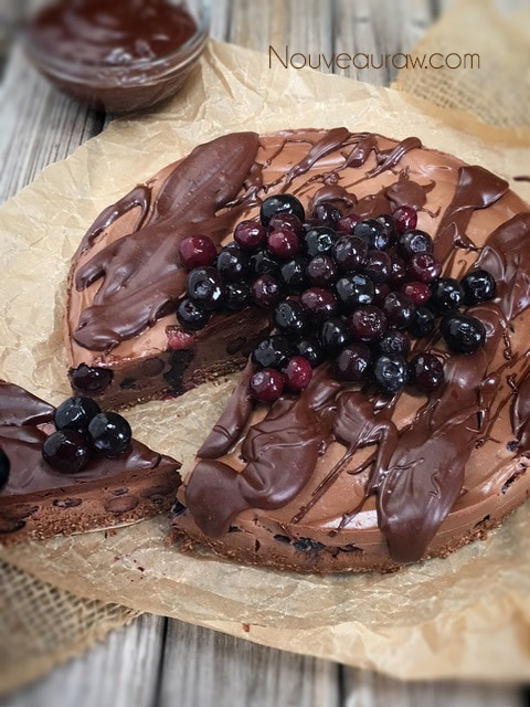 Deep Dark Chocolate Blackberry Cheesecake - Nouveau RawNouveau Raw