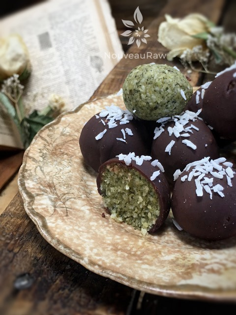 Minty-Chocolate-Truffles-close-up