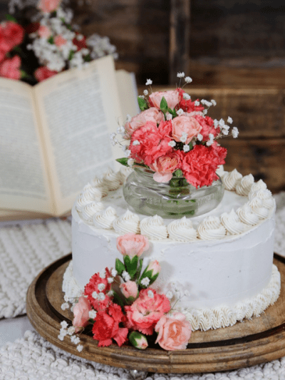 raw and vegan recipe for Lemon Poppy Seed Cake from Nouveau Raw
