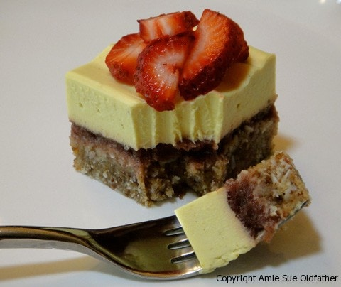 Lemonberry-Coconut-Bar-with-Lemon-Frosting
