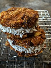Carrot Cake Sandwich Cookies with Pumpkin Spice Frosting (raw, vegan, gluten-free)