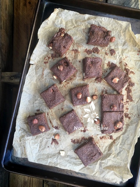 Hazelnut-&-Coconut-Chai-Brownies--1