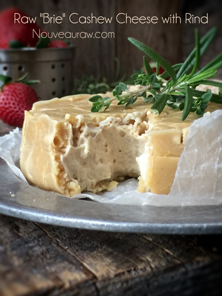 Raw-'Brie'-Cashew-Cheese-with-Rind3