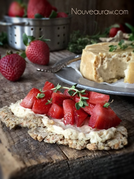 Raw-'Brie'-Cashew-Cheese-with-Rind5