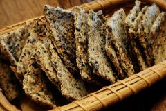 Sesame-Onion-Flax-Crackers-