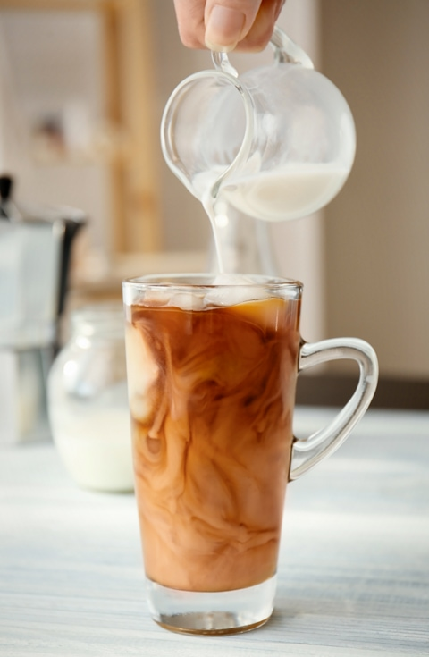 cold-pressed-coffee-with-almond-milk