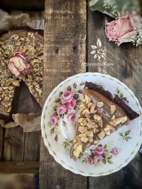 Chocolate-Banana-Fudge-Cake-with-Caramel-Frosting--3