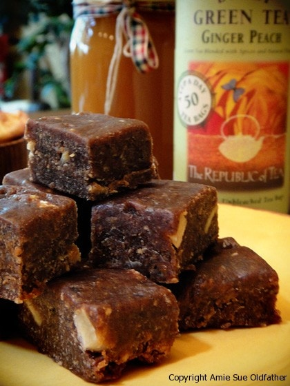 Honey-Ginger-and-Peach-Chocolate-Fudge-Bars1