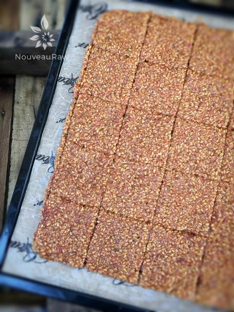Italian-Sun-Dried-Tomato-Flax-Cracker-1
