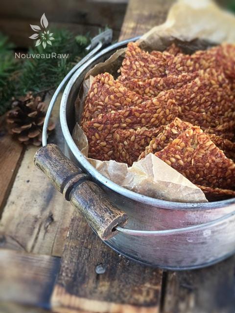 Italian-Sun-Dried-Tomato-Flax-Cracker-3