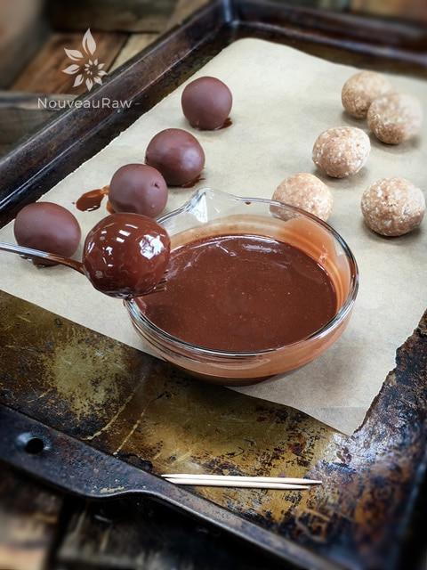 Salted-Caramel-Macaroons-1