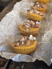 Mini Pumpkin Pies  (raw, vegan, gluten-free, nut-free)