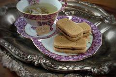 Buttery-Shortbread-Tea-Sandwich-Cookie-with-Sour-Cherry-Jam2
