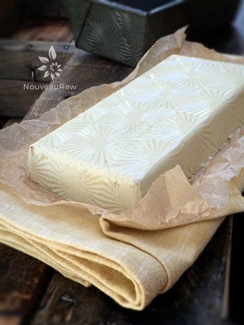 """Look at the awesome pattern that it created in the cheese. You can't see and I didn't notice it at first but it also left an impression of """"made in the USA"""" lol How appropriate."""