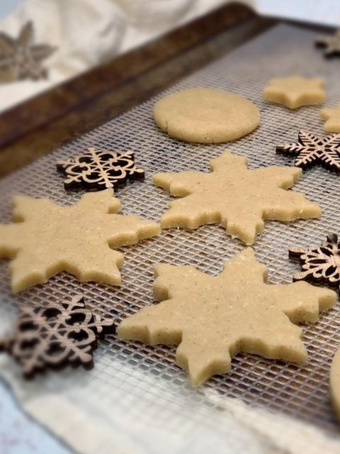 raw-sugar-cookie-on-pan