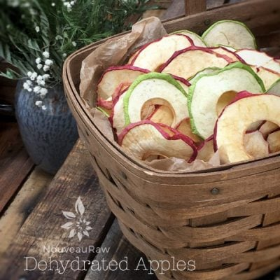 Dehydrated-apples-in-a-basket-1