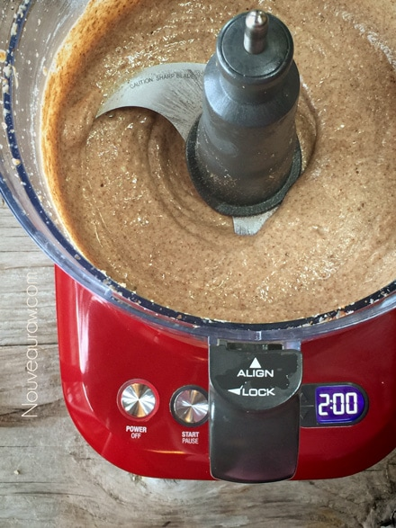 making almond butter 12 minutes