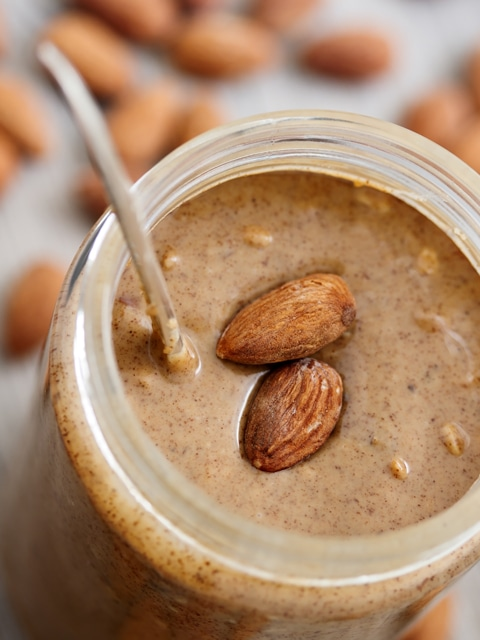How to make almond butter, raw