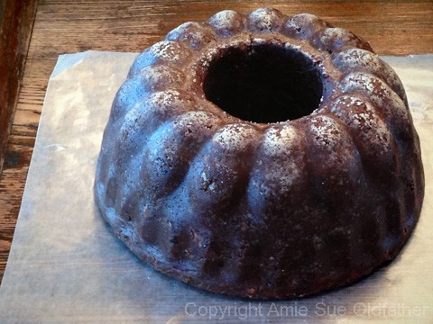 Chocolate-Cherry-Chip-Bundt-Cake200