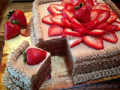 Hazelnut-Cardamom-and-Strawberry-Layered-Cake123