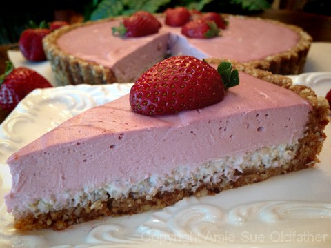 Strawberry-Cream-and-Coconut-Quinoa-Tart201