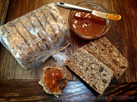 Apricot-Banana-Bread-and-Apricot-Spread1