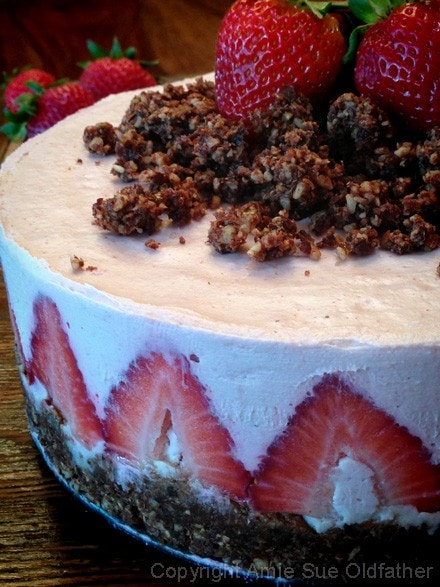 Strawberry-Rhubarb-Cream-Cake2