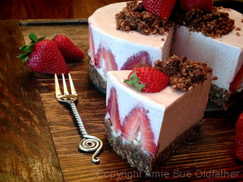 Strawberry-Rhubarb-Cream-Cake3