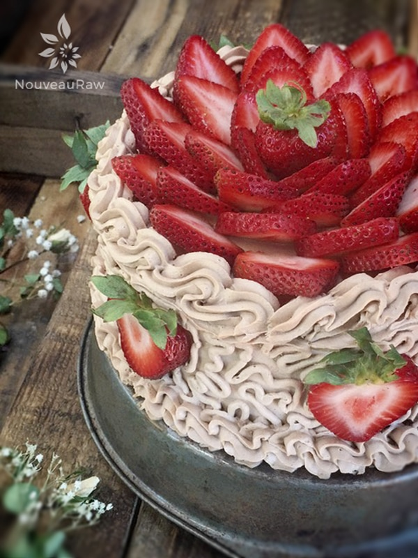 vegan Hazelnut Cardamom and strawberry Layered Cake