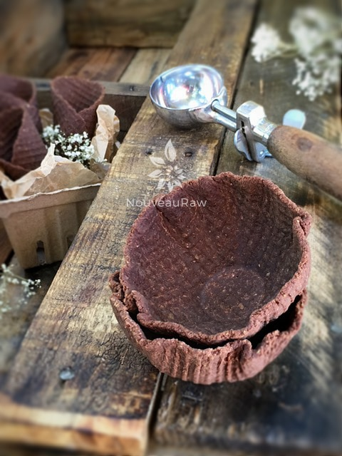 Chocolate-Waffle-Cones-and-Bowls-111