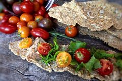 Crispy-Rosemary-Flatbread-Crackers77