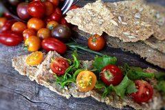 Crispy-Rosemary-Flatbread-Crackers77