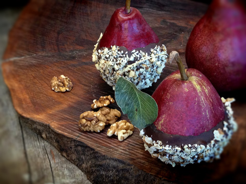 Walnut-Roca-Crusted-Red-Anjous-Pears7