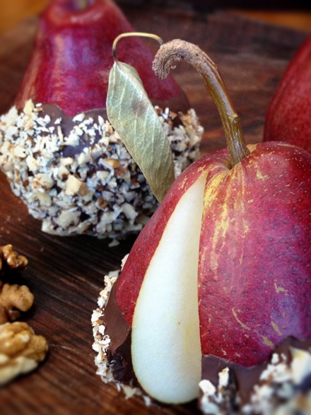 Walnut-Roca-Crusted-Red-Anjous-Pears8