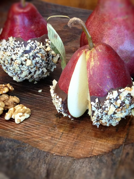 Walnut-Roca-Crusted-Red-Anjous-Pears9