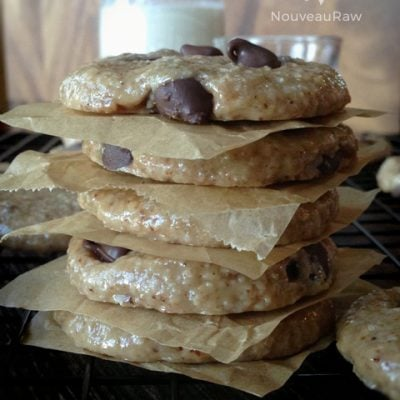 Chocolate-Chip-Cookies-featured