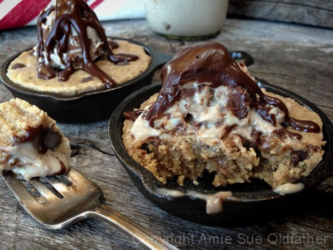 Chocolate-Chip-Skillet-Cookie-served-with-Ice-Cream25