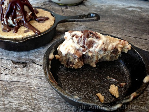 Chocolate-Chip-Skillet-Cookie-served-with-Ice-Cream29