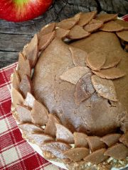 Old-Fashioned Apply Pie with Buttery Walnut Crust  (raw, gluten-free)