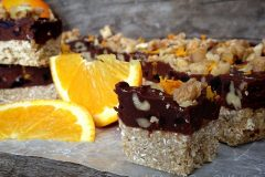 chunk-berry-fudge-shortbread-bars11