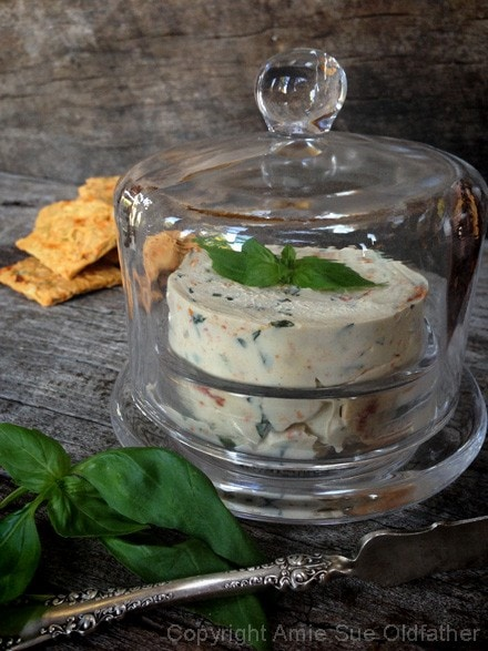 Raw-Sun-dried-Tomato-and-Basil-Cheese-Spread96