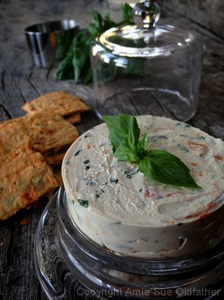 Raw-Sun-dried-Tomato-and-Basil-Cheese-Spread99