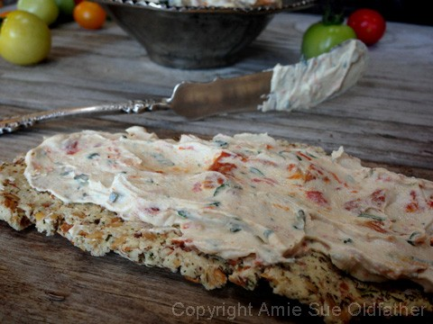 Sun-dried-Tomato-and-Basil-Cheese-Spread1
