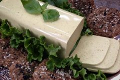 Vegan-Sweet-and-Spicy-Mustard-Cheese-(nut-free)3