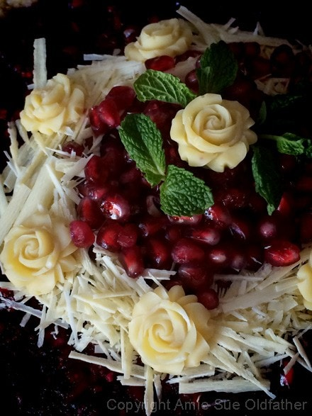 Raw-Pomegranate-and-Cranberry-Relish-Cheesecake4